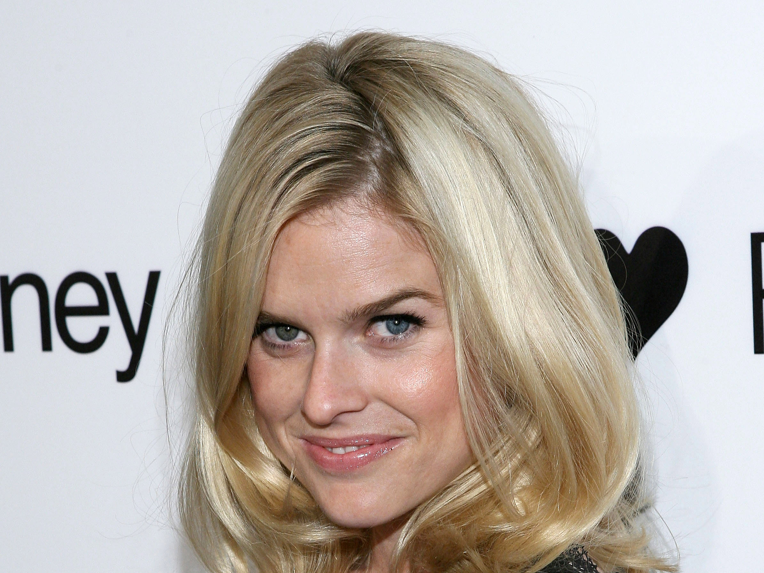 Alice Eve Eyes Differe... Kate Bosworth